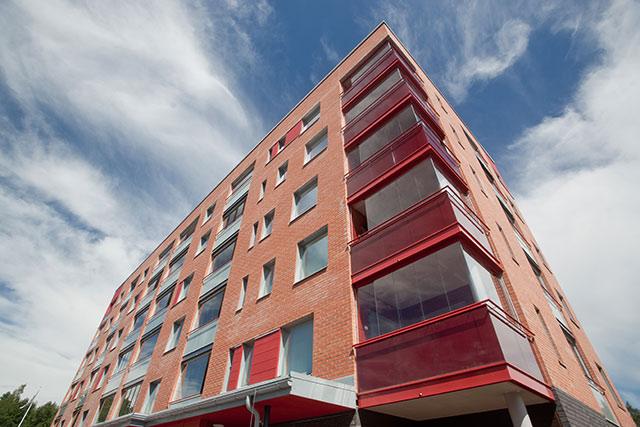 Kesäkuussa valmistui uusin kohde Myyrmäkeen. Loiskekuja 1:ssä on 105 uutta asuntoa. Näistä kaksioita on 60, yksiöitä 30 ja kolmioita 15 huoneistoa. Kuva: Henrik Kettunen
